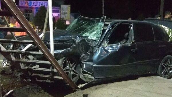 ДТП в результате столкновения автомобиля Mercedes с поездом на трассе Спитак - Ванадзор  - Sputnik Արմենիա