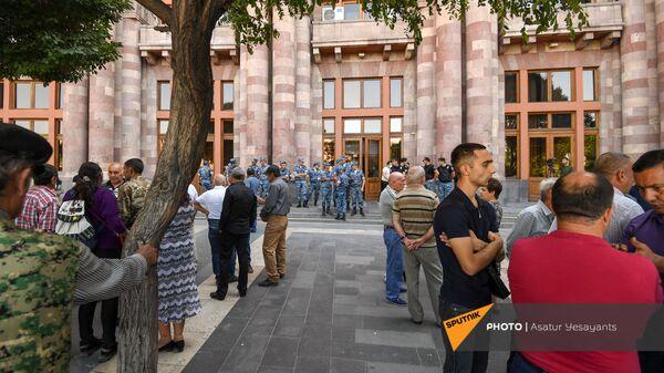 Акция протеста кашатагцев и гадруцев перед Домом правительства (9 сентября 2021). Еревaн - Sputnik Армения