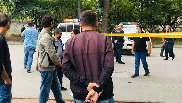 Полиция и репортеры на месте нападения на банк в Кварели (9 сентября 2021). Грузия - Sputnik Արմենիա