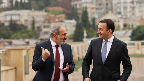 Премьер-министры Армении и Грузии Никол Пашинян и Ираклий Гарибашвили (9 сентября 2021). Грузия - Sputnik Армения