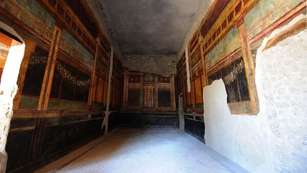 Фрески на Римской вилле мистерий (Villa dei Misteri) на археологическом участке Помпеи (20 марта 2015). Италия - Sputnik Армения