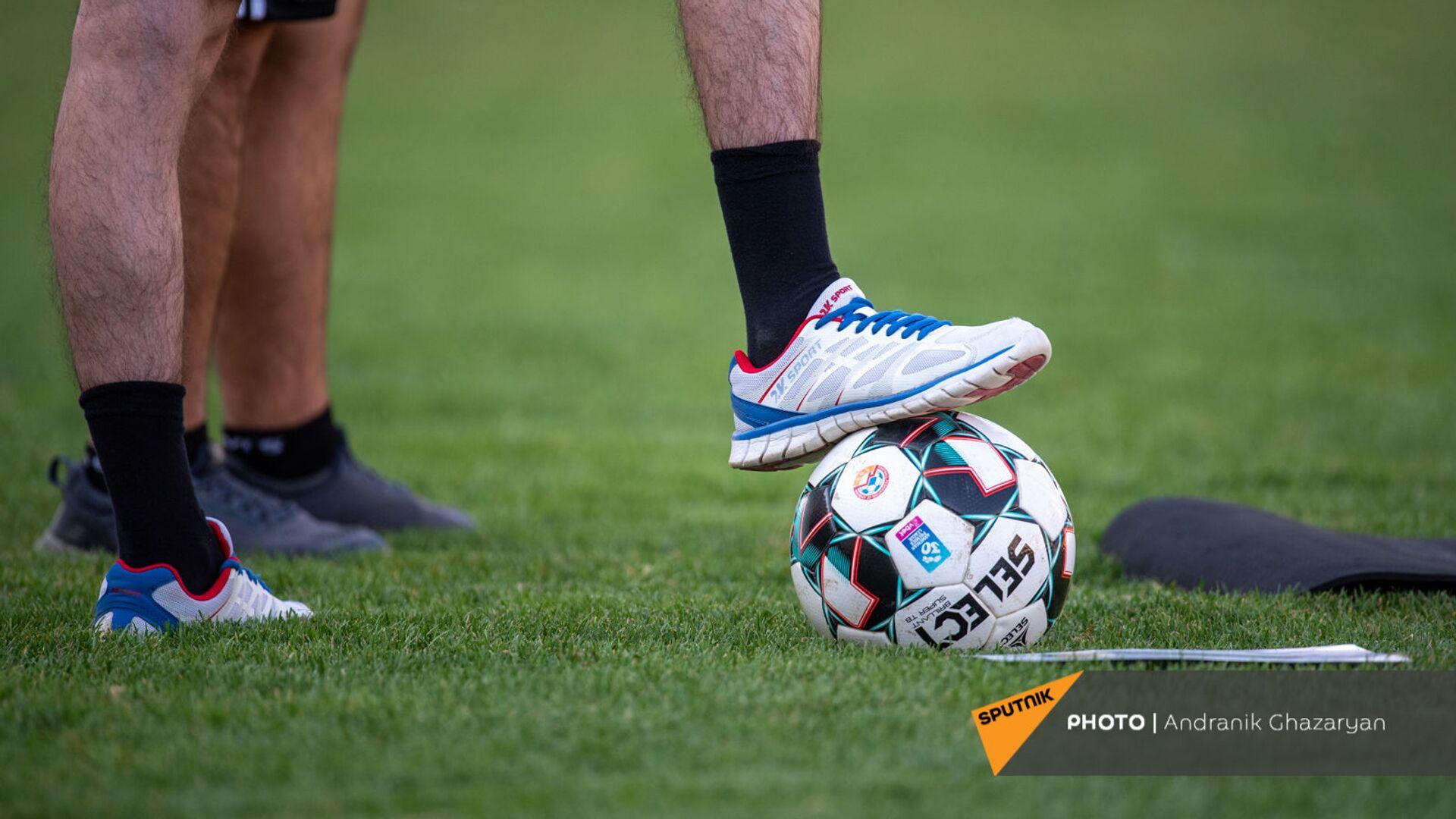 Футбольный мяч - Sputnik Армения, 1920, 21.09.2021