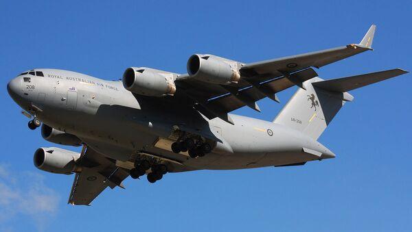 Американский военно-транспортный самолет Boeing C-17 Globemaster III - Sputnik Армения