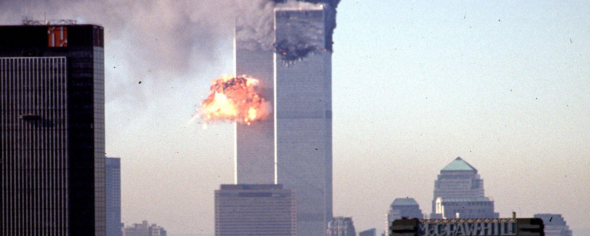 Всемирный торговый центр во время взрыва (11 сентября 2001. Нью-Йорк - Sputnik Արմենիա, 1920, 11.09.2021