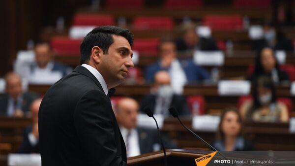 Ален Симонян во время заседания НС (13 сентября 2021). Еревaн - Sputnik Արմենիա
