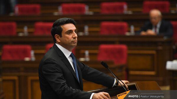 Ален Симонян во время заседания НС (13 сентября 2021). Еревaн - Sputnik Армения
