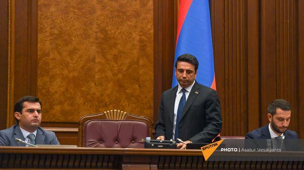 Акоб Аршакян, Ален Симонян и Рубен Рубинян во время заседания НС (13 сентября 2021). Еревaн - Sputnik Армения