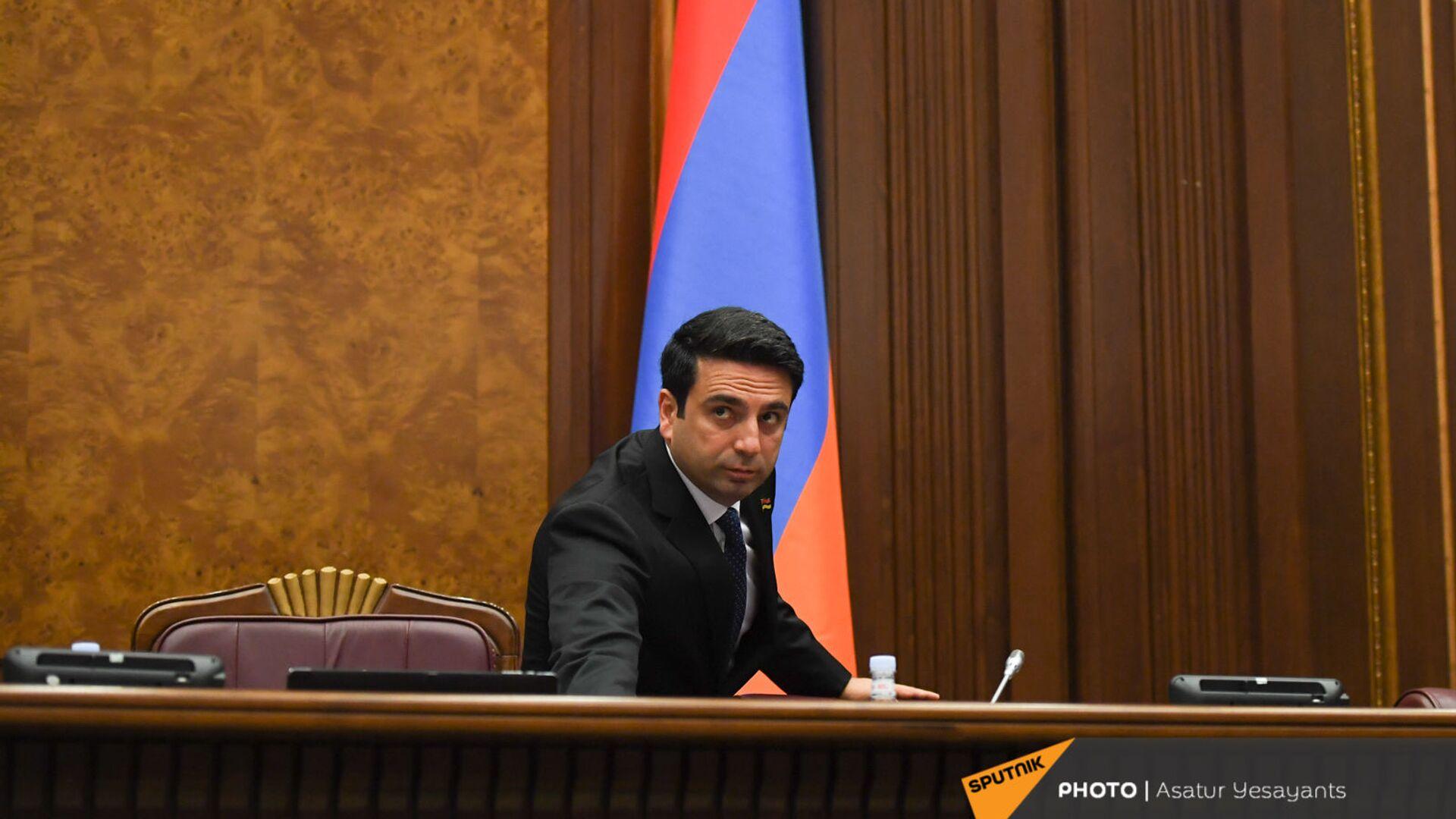 Ален Симонян во время заседания НС (13 сентября 2021). Еревaн - Sputnik Армения, 1920, 18.09.2021