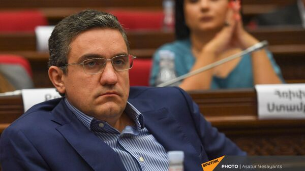 Артур Казинян во время заседания НС (13 сентября 2021). Еревaн - Sputnik Армения