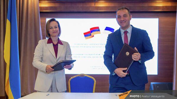 Заседание армяно-украинской межправительственной комиссии (14 сентября 2021). Еревaн - Sputnik Армения