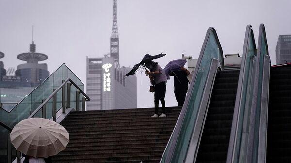 Тайфун Chantou обрушился на Шанхай (13 сентября 2021). Китай - Sputnik Արմենիա