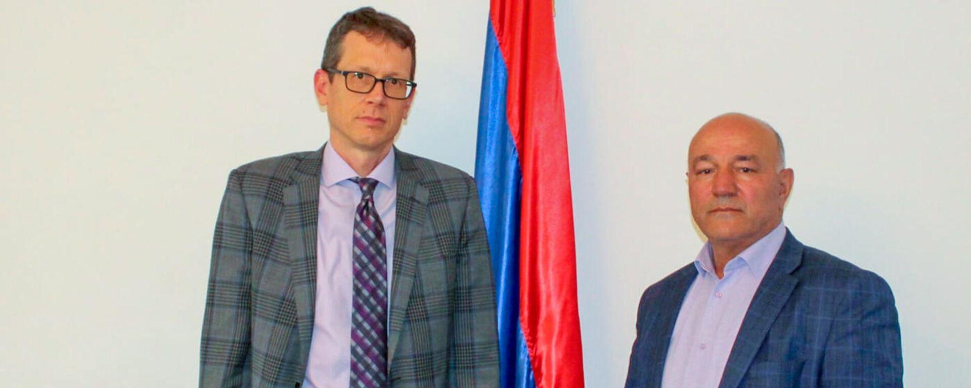 Губернатор Сюника Меликсет Погосян встретился с новоназначенным послом США Чипом Лейтиненом - Sputnik Արմենիա, 1920, 14.09.2021