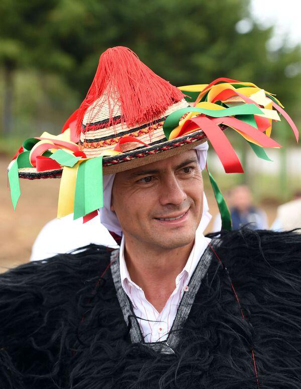 Մեքսիկայի նախագահ Էնրիկե Պենա Նիետոն Աշխարհի բնիկ ժողովուրդների միջազգային օրվա տոնակատարության ժամանակ. Մեքսիկա - Sputnik Արմենիա