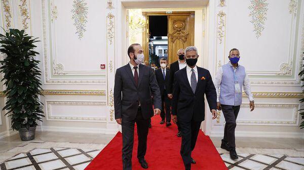 Встреча министров иностранных дел Армении и Индии Арарата Мирзояна и Субраманьяма Джайшанкара (17 сентября 2021). Еревaн - Sputnik Արմենիա