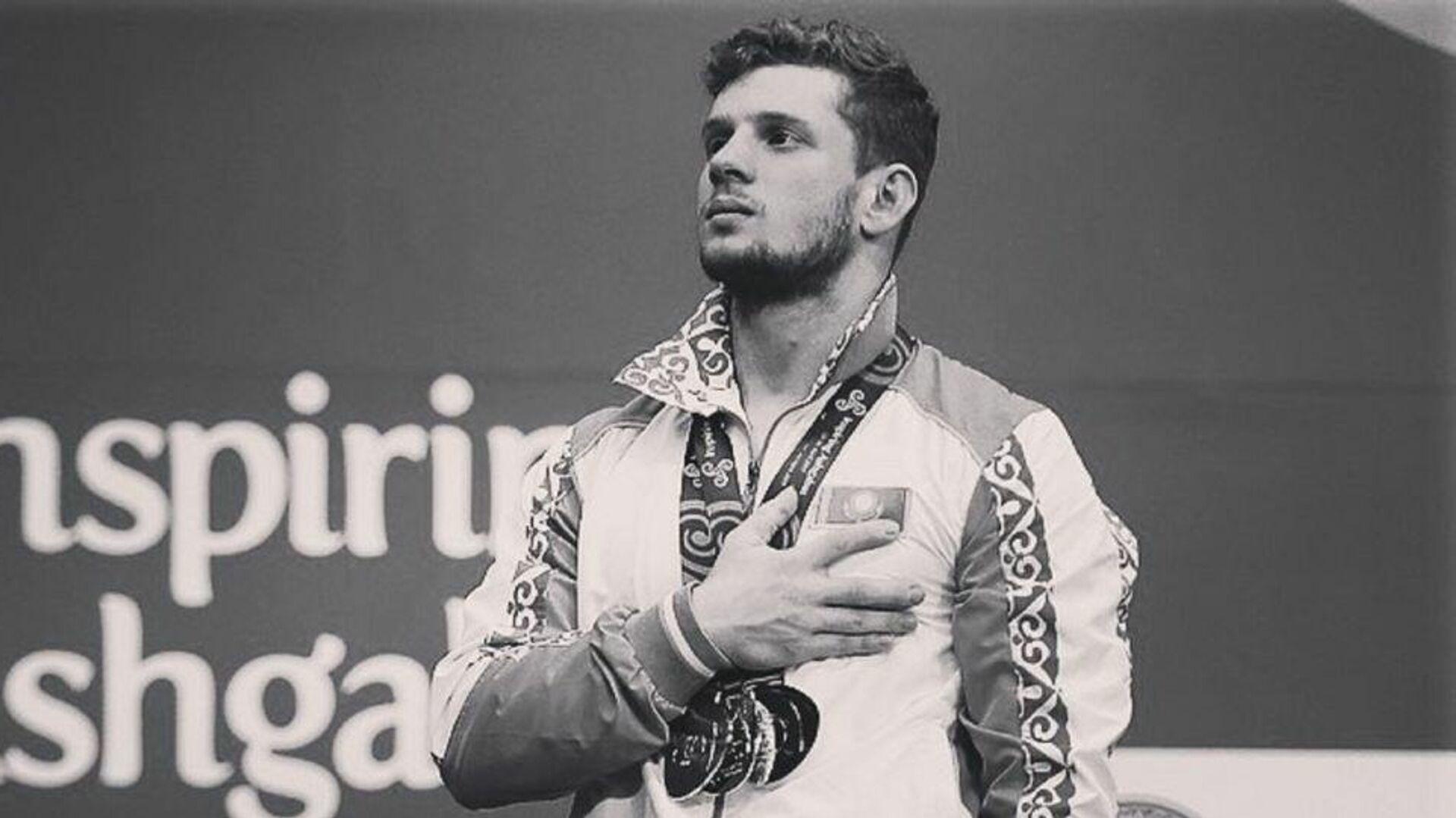 Тяжелоатлет, многократный чемпион Казахстана Альберт Линдер - Sputnik Армения, 1920, 17.09.2021