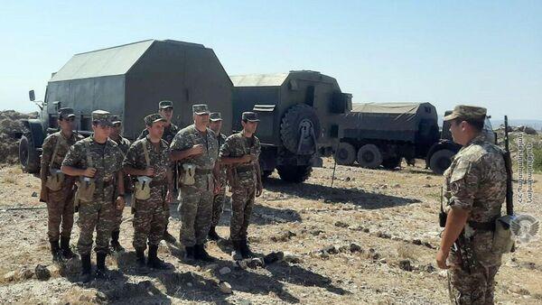 Армянские военнослужащие на комплексных учениях ПВО ВС - Sputnik Армения