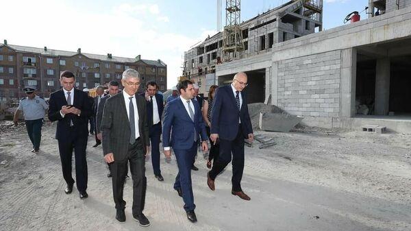 Всеармянский фонд Айастан строит многоквартирные жилые здания и детский сад в районе Муш в Гюмри. - Sputnik Армения