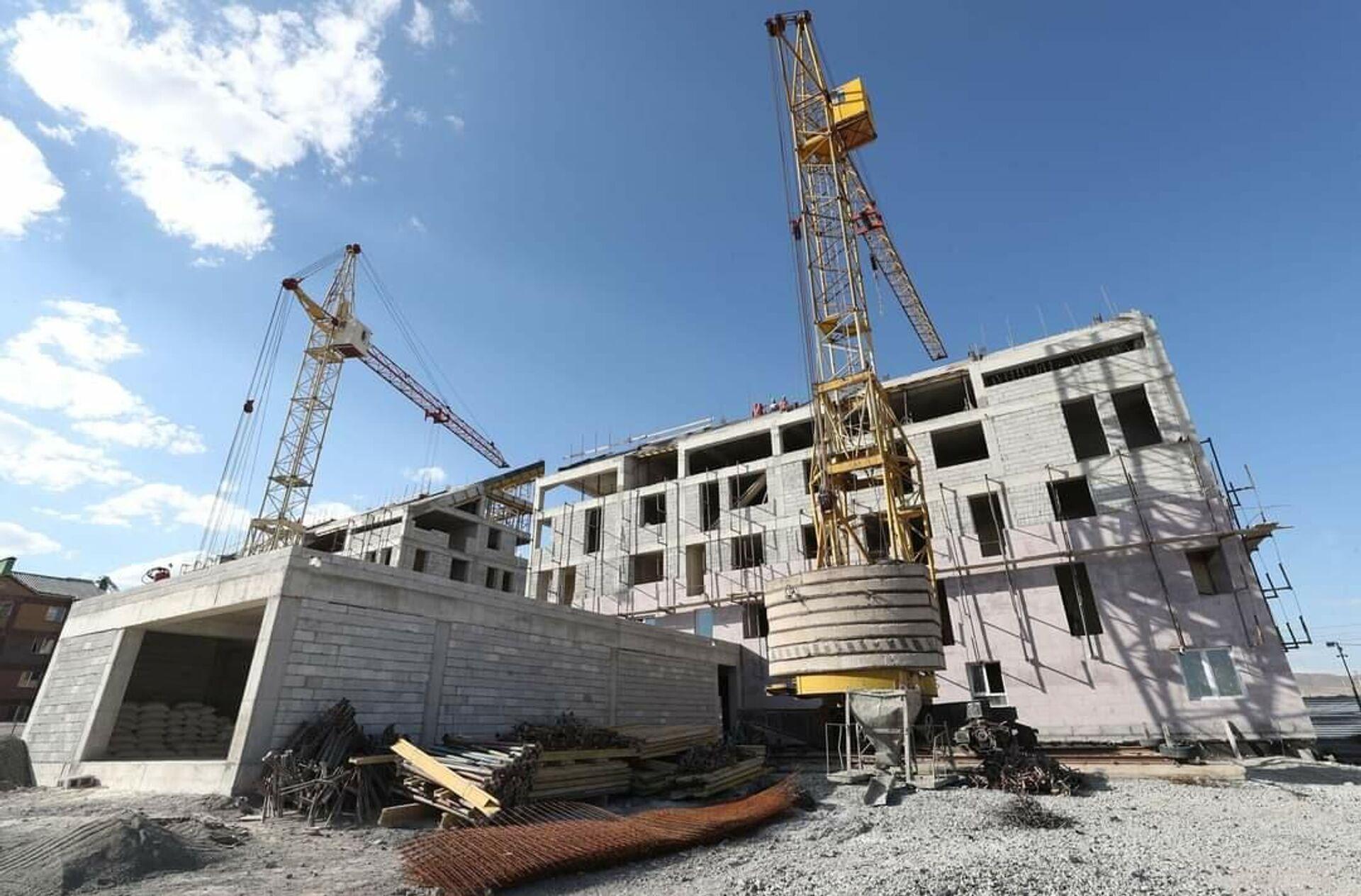 Всеармянский фонд Айастан строит многоквартирные жилые здания и детский сад в районе Муш в Гюмри. - Sputnik Արմենիա, 1920, 19.09.2021