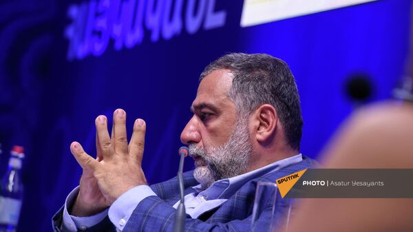 Рубен Варданян на форуме Из Армении 2020 в Армению 2041 (19 сентября 2021). Еревaн - Sputnik Армения