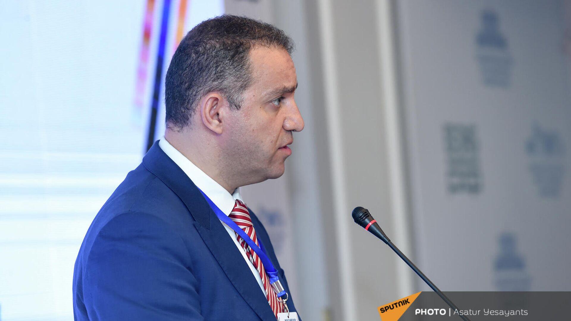Министр экономики Ваган Керобян на бизнес-форуме Armenian Business Forum (ABF) 2021 ассоциации армянских предпринимателей (20 сентября 2021). Ереван - Sputnik Армения, 1920, 20.09.2021