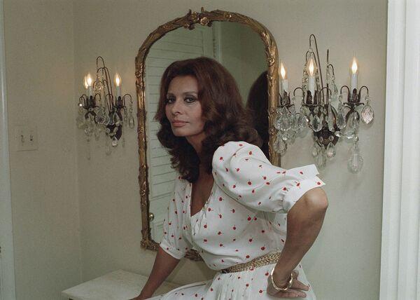 Актриса в 1984 году в день 50-летия. В 1991 году Софи получила еще один Оскар — за вклад в кинематограф — и была внесена Американским институтом киноискусства в список 25 величайших актрис в истории кино. - Sputnik Армения