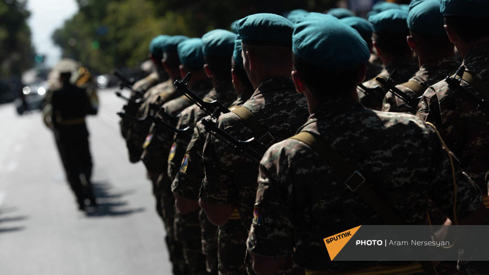 Զինվորականների երթ Երևանում - Sputnik Արմենիա, 1920, 21.09.2021