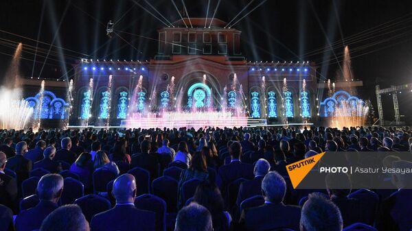 Артисты на сцене во время праздничного концерта по случаю 30-летия независимости Республики Армения (21 сентября 2021). Ереван - Sputnik Армения