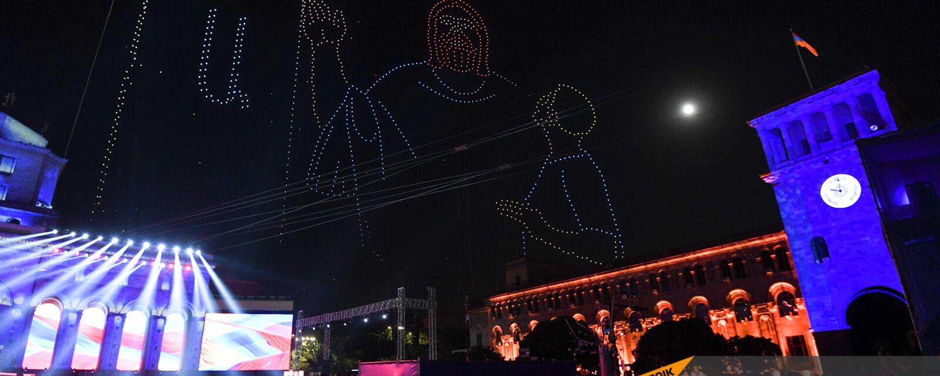 Шоу дронов во время праздничного концерта по случаю 30-летия независимости Республики Армения (21 сентября 2021). Ереван - Sputnik Արմենիա, 1920, 22.09.2021