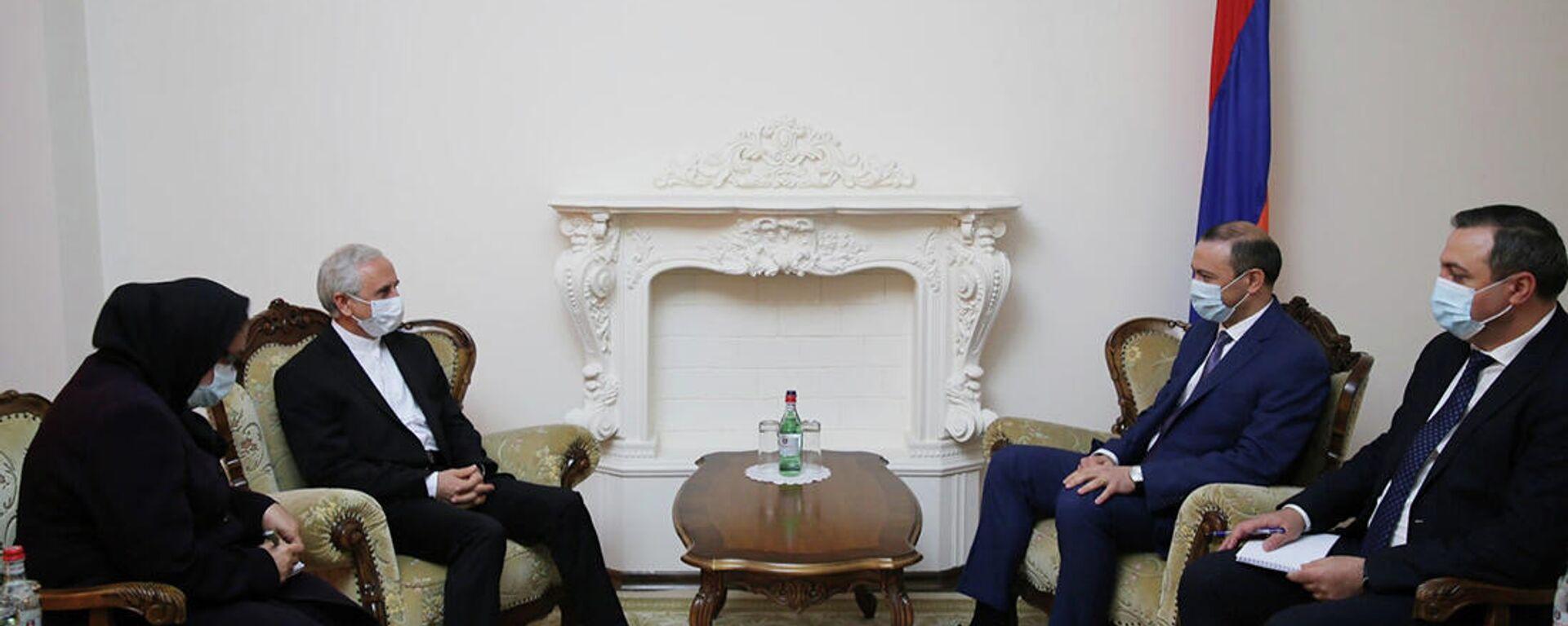 ՀՀ Անվտանգության խորհրդի քարտուղար Արմեն Գրիգորյանն  ընդունել է Հայաստանում Իրանի  դեսպան Ն.Գ. Աբբաս Բադախշան Զոհուրիին - Sputnik Արմենիա, 1920, 22.09.2021