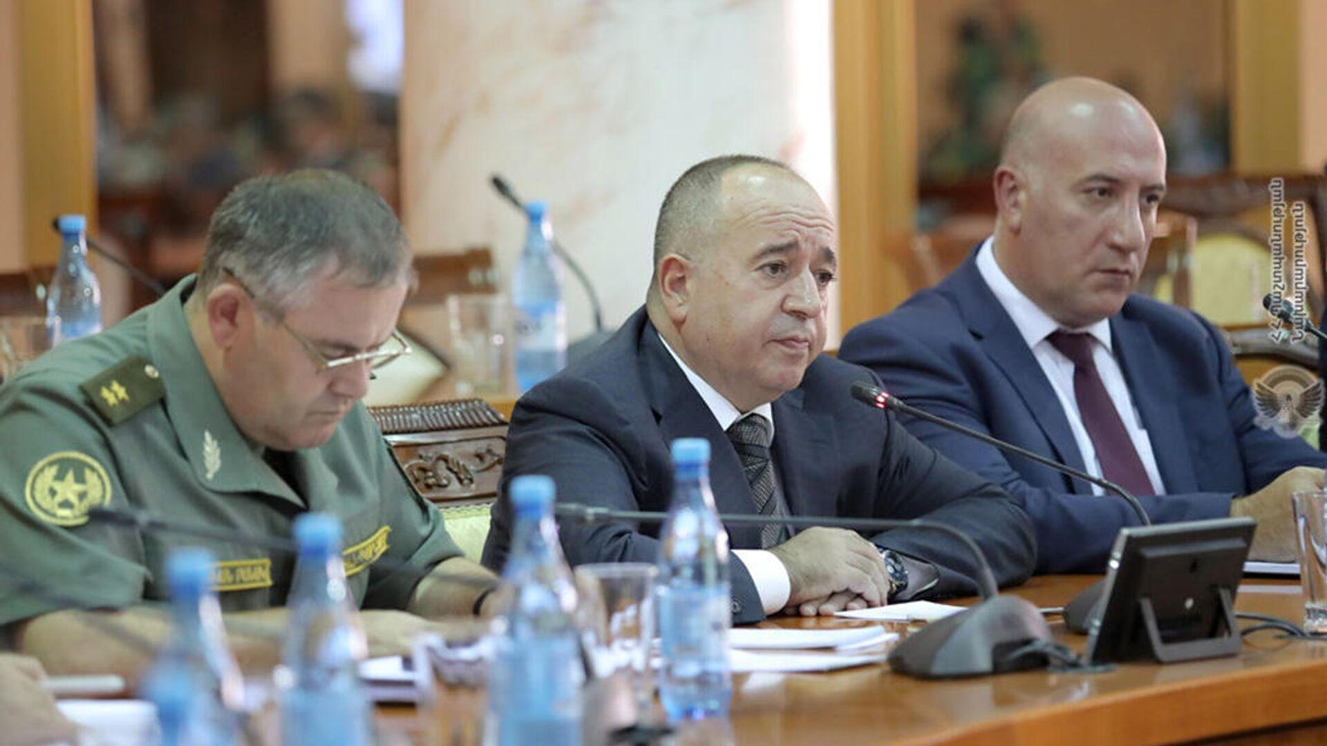 Совещание во главе с министром обороны Аршаком Карапетяном (22 сентября 2021). Еревaн - Sputnik Армения, 1920, 22.09.2021