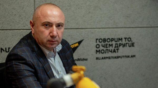 Депутат оппозиционной фракции Айастан Андраник Теванян в гостях радио Sputnik - Sputnik Армения