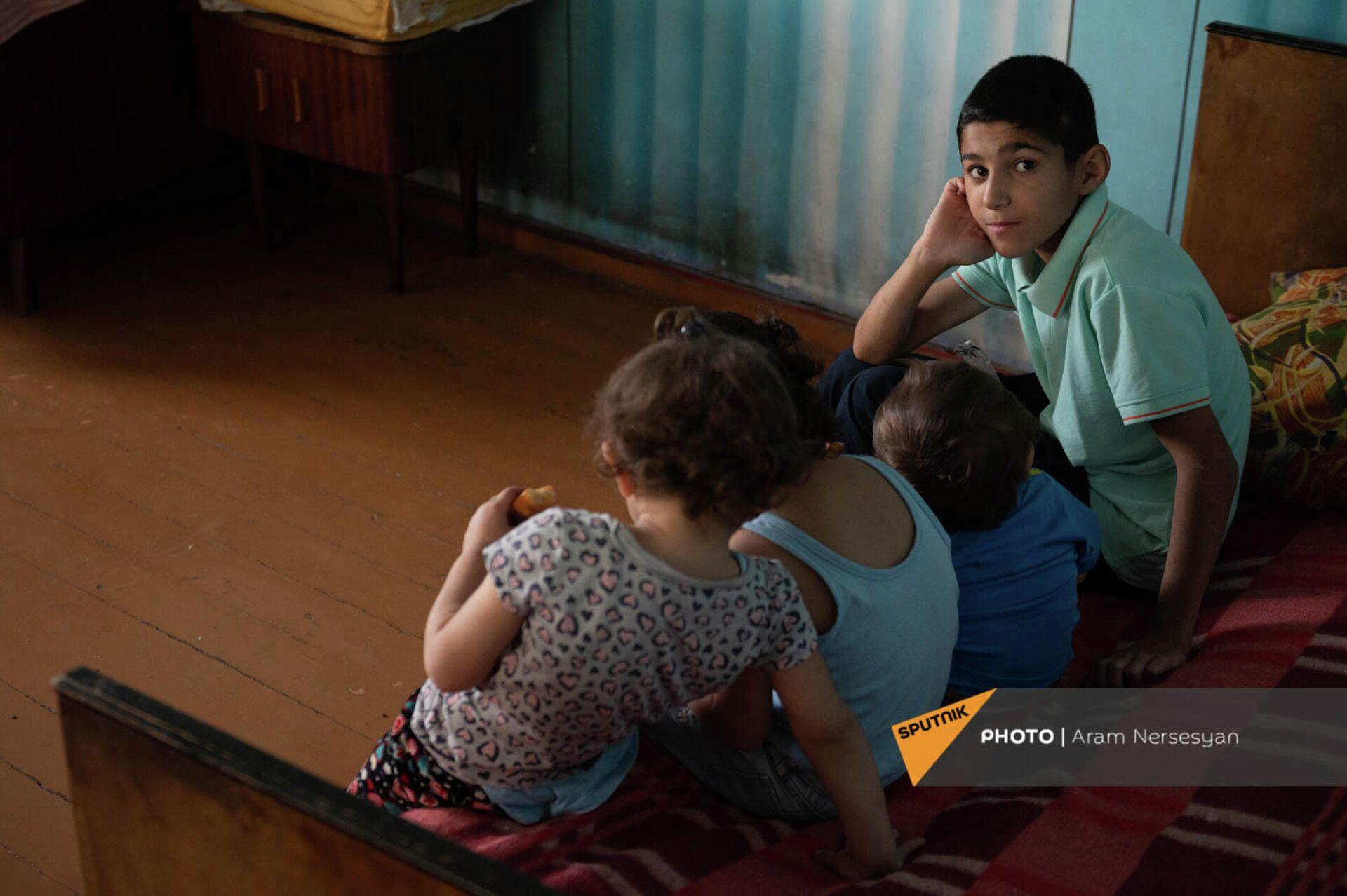 Дети Лианы Жамгарян - Арут, Ованнес, Мерине и Анна - Sputnik Армения, 1920, 24.09.2021
