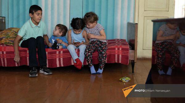 Дети Лианы Жамгарян - Арут, Ованнес, Мерине и Анна - Sputnik Արմենիա