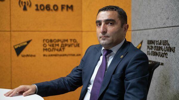 Министр окружающей среды Романос Петросян в гостях радио Sputnik - Sputnik Արմենիա