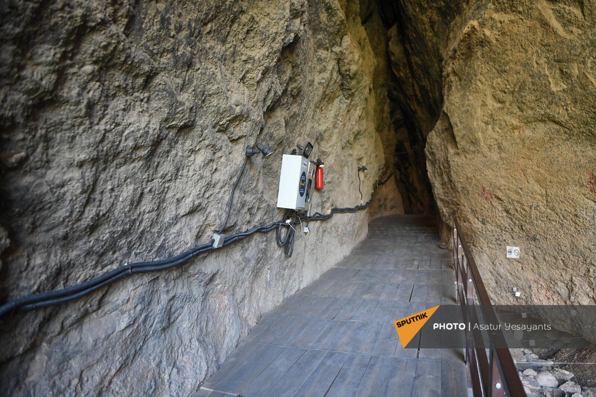 Вход в пещеру Арени-1 - Sputnik Армения, 1920, 23.09.2021
