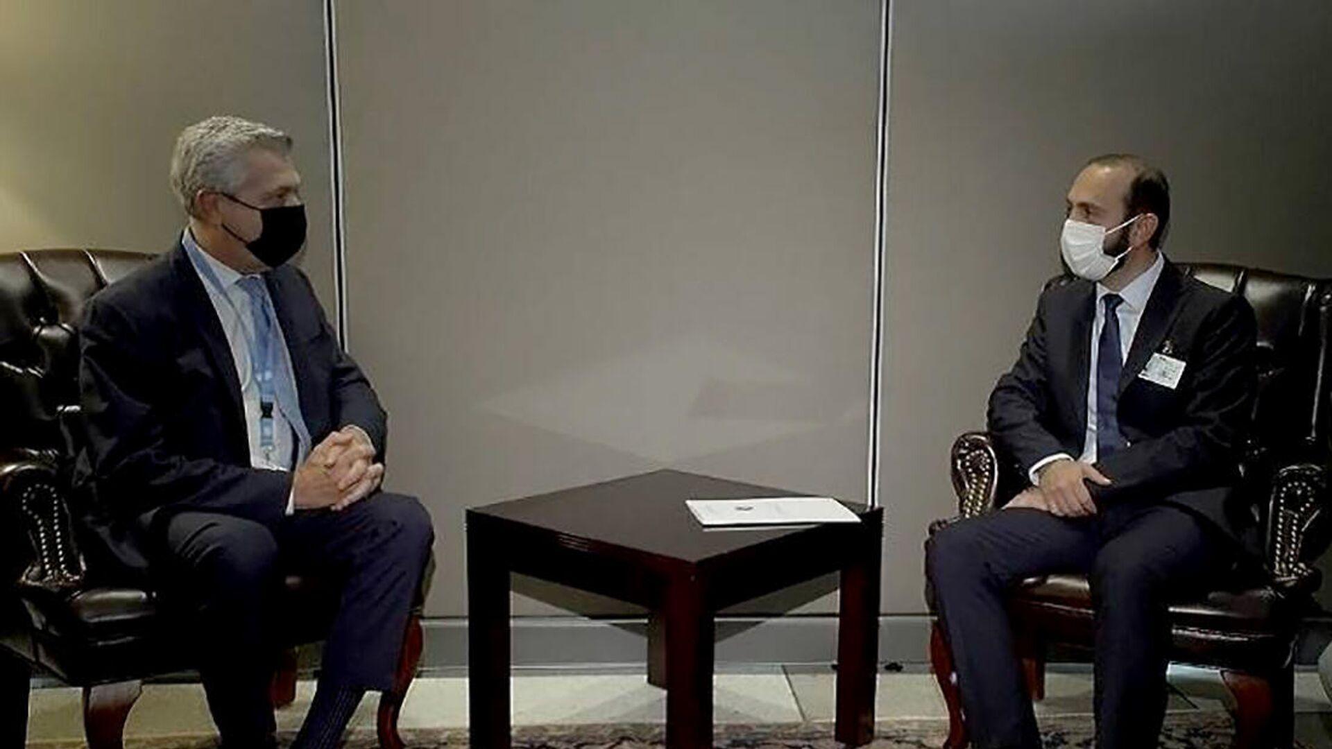 Արարատ Միրզոյանի և ՄԱԿ Փախստականների հարցերով գերագույն հանձնակատար Ֆիլիպո Գրանդիի հանդիպումը - Sputnik Արմենիա, 1920, 24.09.2021