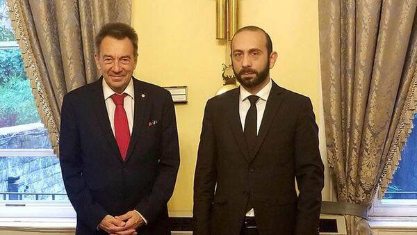 Հ ԱԳ նախարար Արարատ Միրզոյանը հանդիպել է Կարմիր խաչի միջազգային կոմիտեի (ԿԽՄԿ) նախագահ Պիտեր Մաուրերի հետ - Sputnik Արմենիա