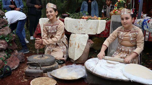 IX традиционный всеармянский фестиваль декоративно-прикладного искусства в Дилижане (25 сентября 2021). Тавуш - Sputnik Армения