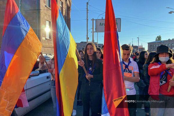 Երթ Գյումրիում՝ ի հիշատակ 44-օրյա պատերազմի նահատակների - Sputnik Արմենիա