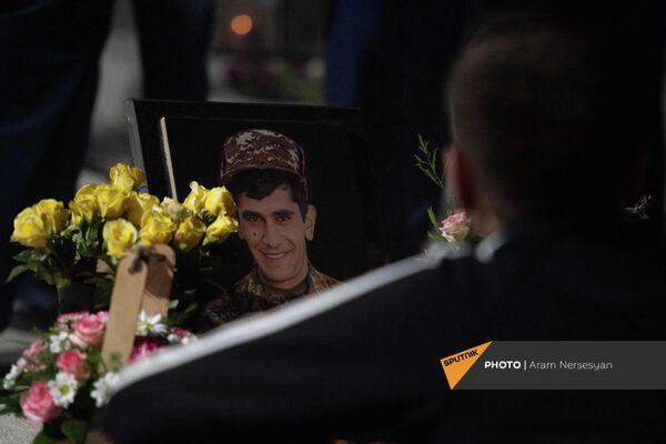 Могила одного из павших героев - Sputnik Армения