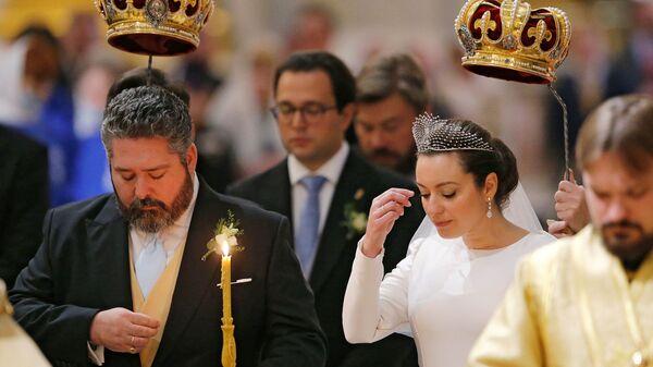 Венчание великого князя Георгия Романова и Виктории Романовой Беттарини в Исаакиевском соборе в Санкт-Петербурге - Sputnik Армения