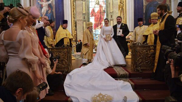 Великий князь Георгий Романов и Виктория Беттарини на церемонии венчания в Исаакиевском соборе в Санкт-Петербурге - Sputnik Армения