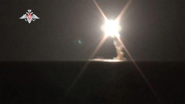 Испытательный пуск гиперзвуковой ракеты Циркон с АПЛ Северодвинск - Sputnik Армения