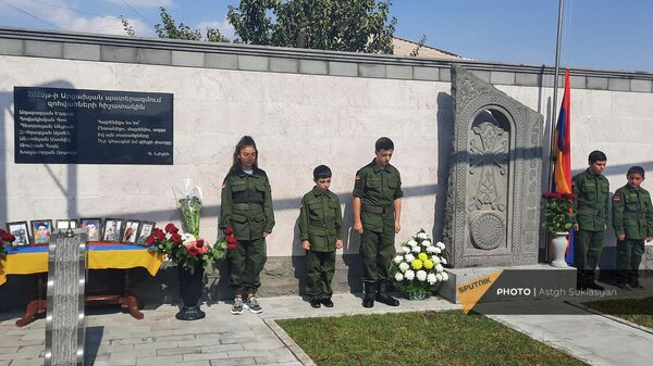 Церемония открылся хачкара-пулпулака, посвященного памяти 7-и погибших в 44-дневной карабахской войне в Норагавите - Sputnik Արմենիա