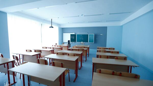 Обновленный интерьер школы №135 - Sputnik Армения