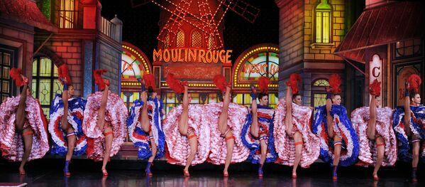 «Մուլեն Ռուժի» պարուհիները փորձում են ռեկորդ սահմանել։ - Sputnik Արմենիա