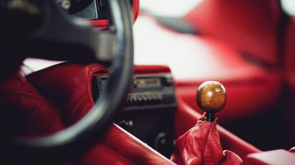 Коробка передач в салоне автомобиля - Sputnik Армения