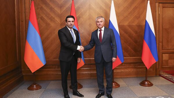 Ален Симонян и Вячеслав Володин на встрече (6 октября 2021). Москва - Sputnik Армения
