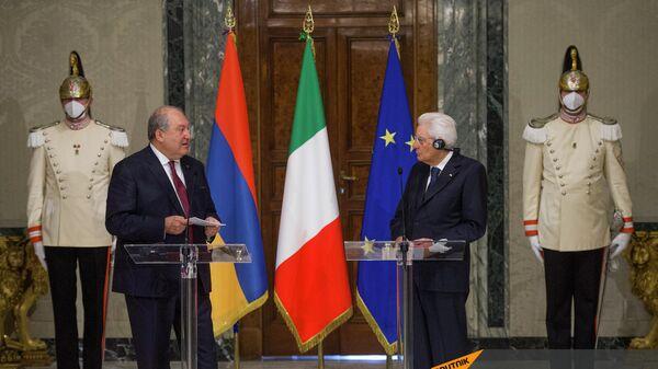 Совместная пресс-конференция президентов Армении и Италии Армена Саркисяна и Серджио Матареллы (6 октября 2021). Рим - Sputnik Армения
