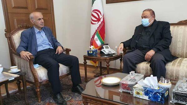 Посол Армении в Иране Арташес Туманян встретился с заместителем министра иностранных дел ИРИ Мехди Сафари (6 октября 2021). Тегеран - Sputnik Армения
